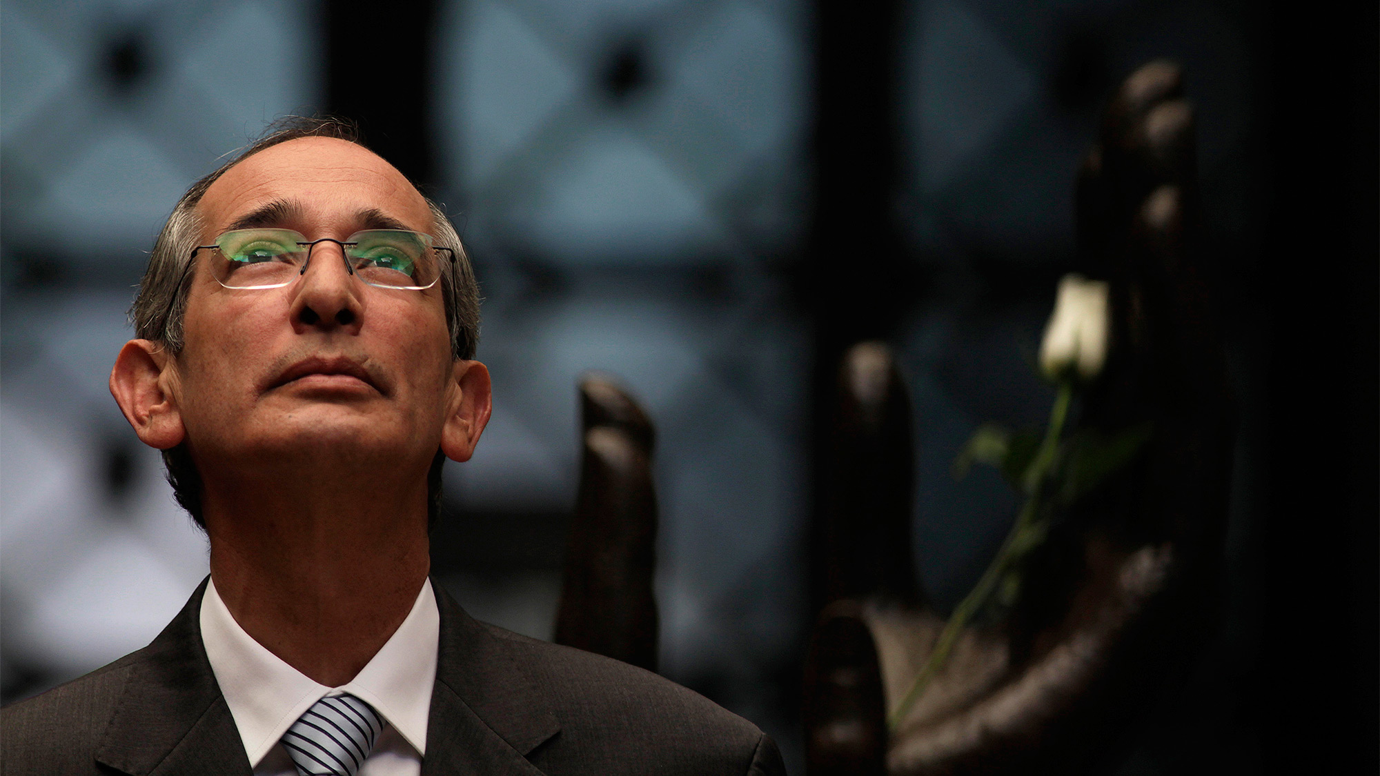 Detienen a expresidente de Guatemala por caso de corrupción