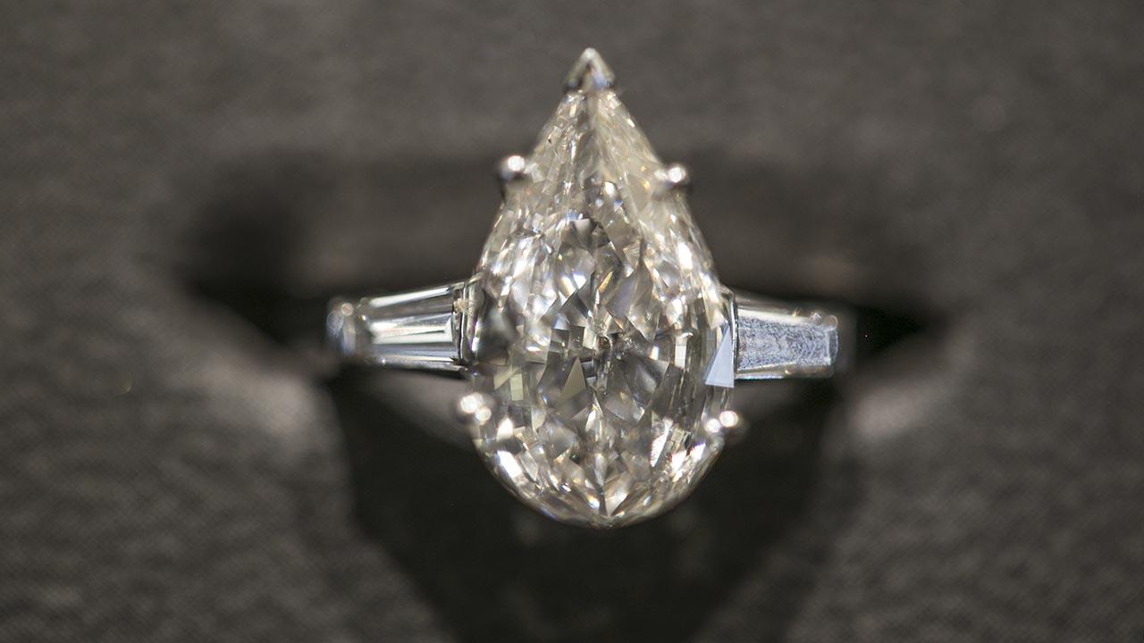 Elige el anillo de compromiso perfecto