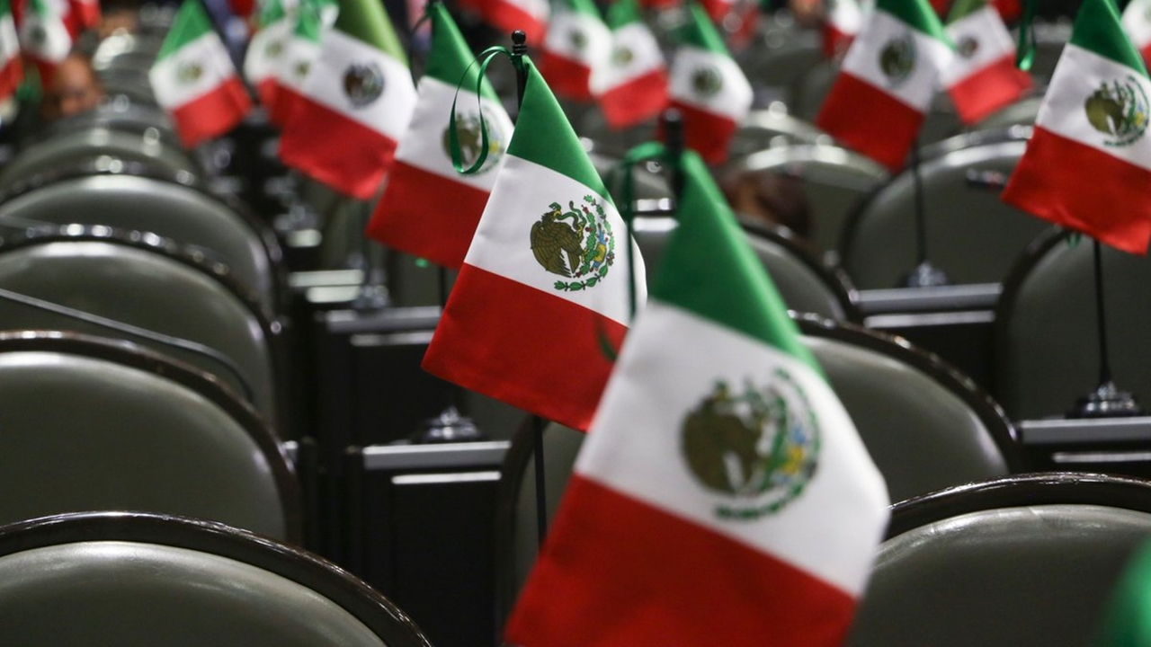 El oficio del nombramiento de Arturo Herrera llega al Congreso