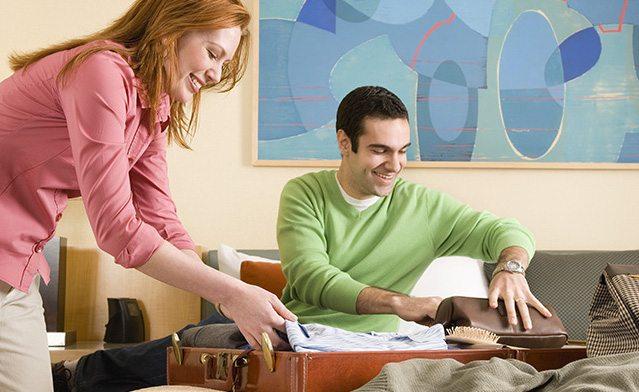 ¿Viajas en pareja? aprende a hacer la maleta perfecta