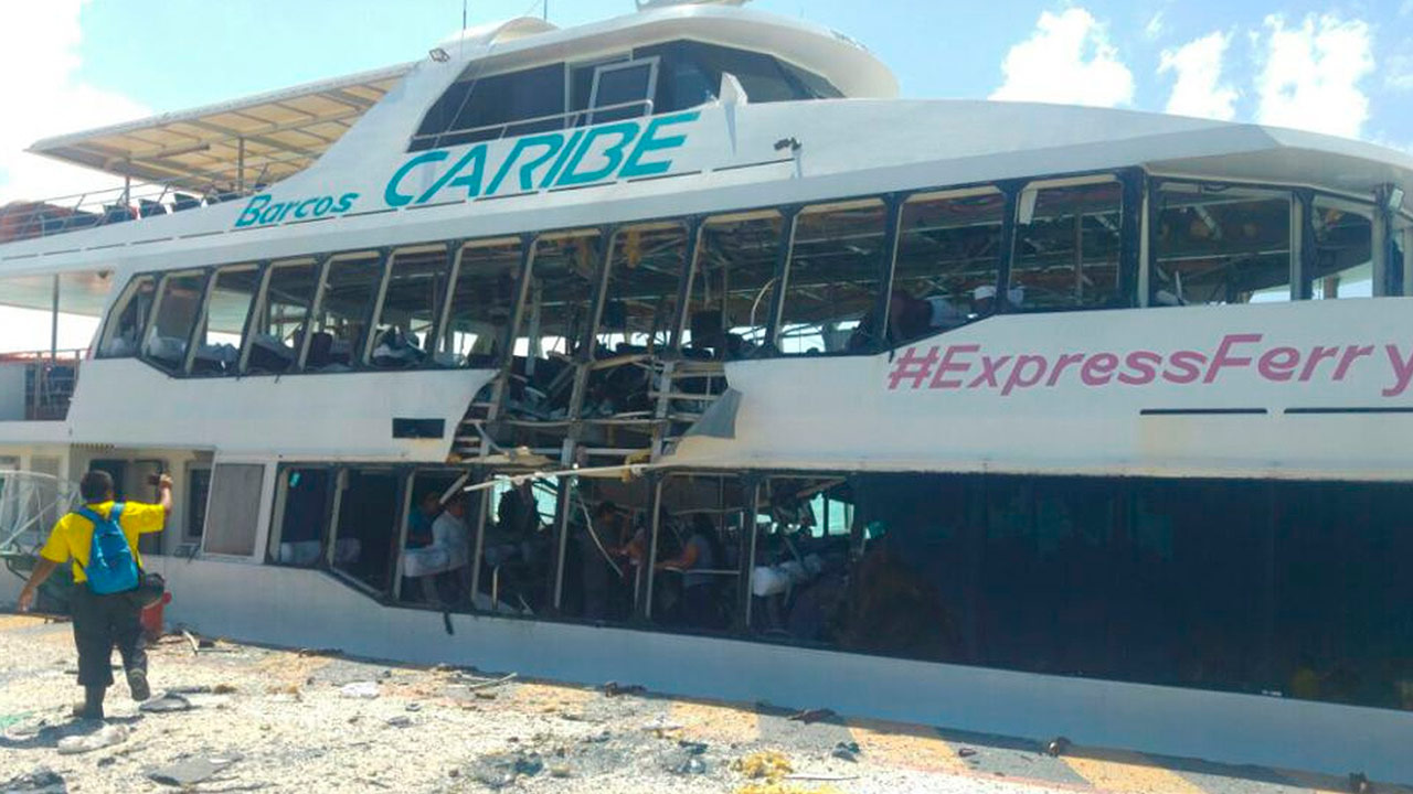 Explosión de ferri en Playa del Carmen deja lesionados