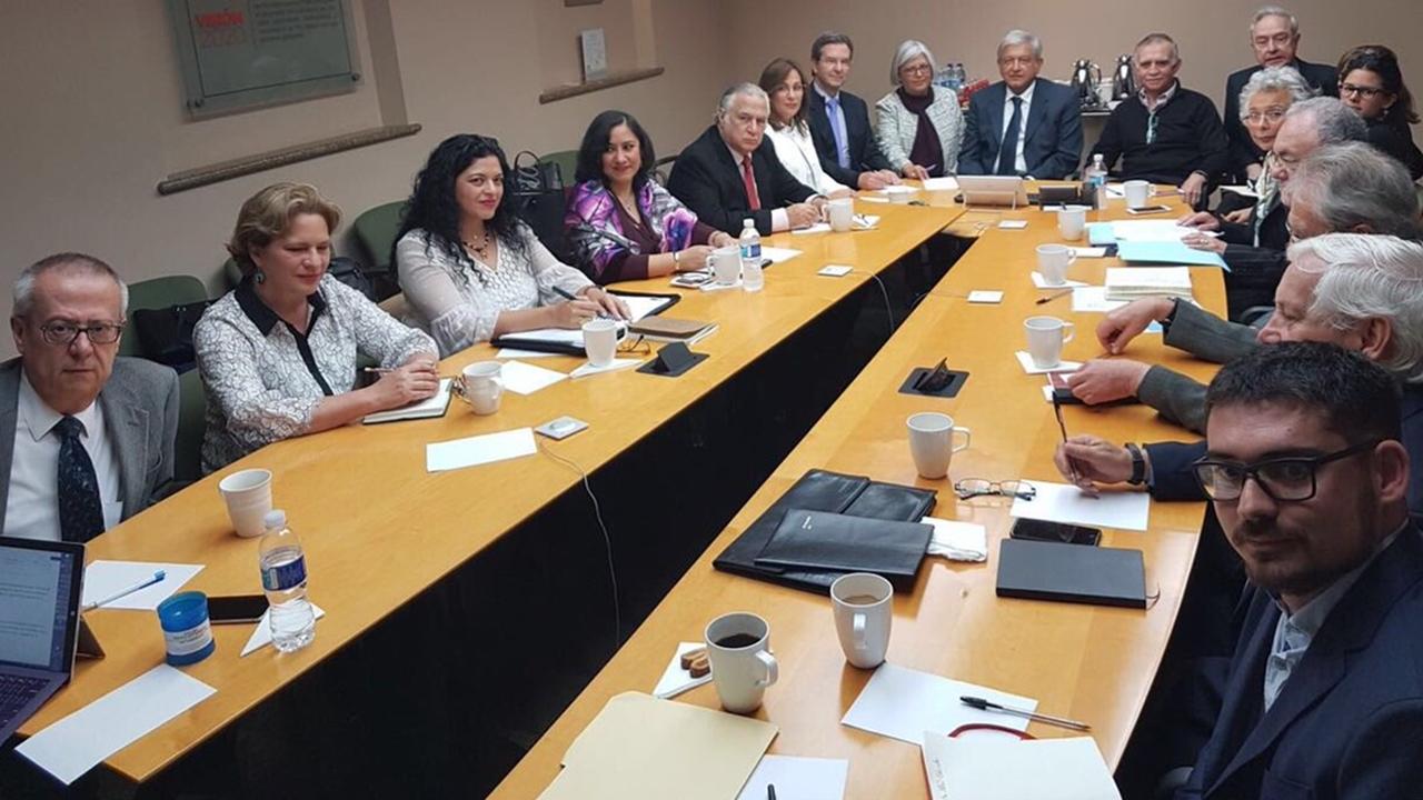 AMLO sostiene primera reunión con su eventual gabinete