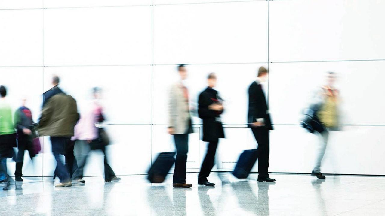 EU revisó a más de un millón de viajeros por primera vez desde marzo