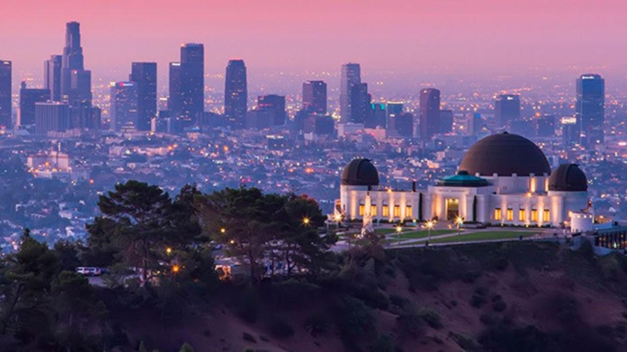 Con cortes de agua, Los Ángeles busca frenar fiestas durante pandemia