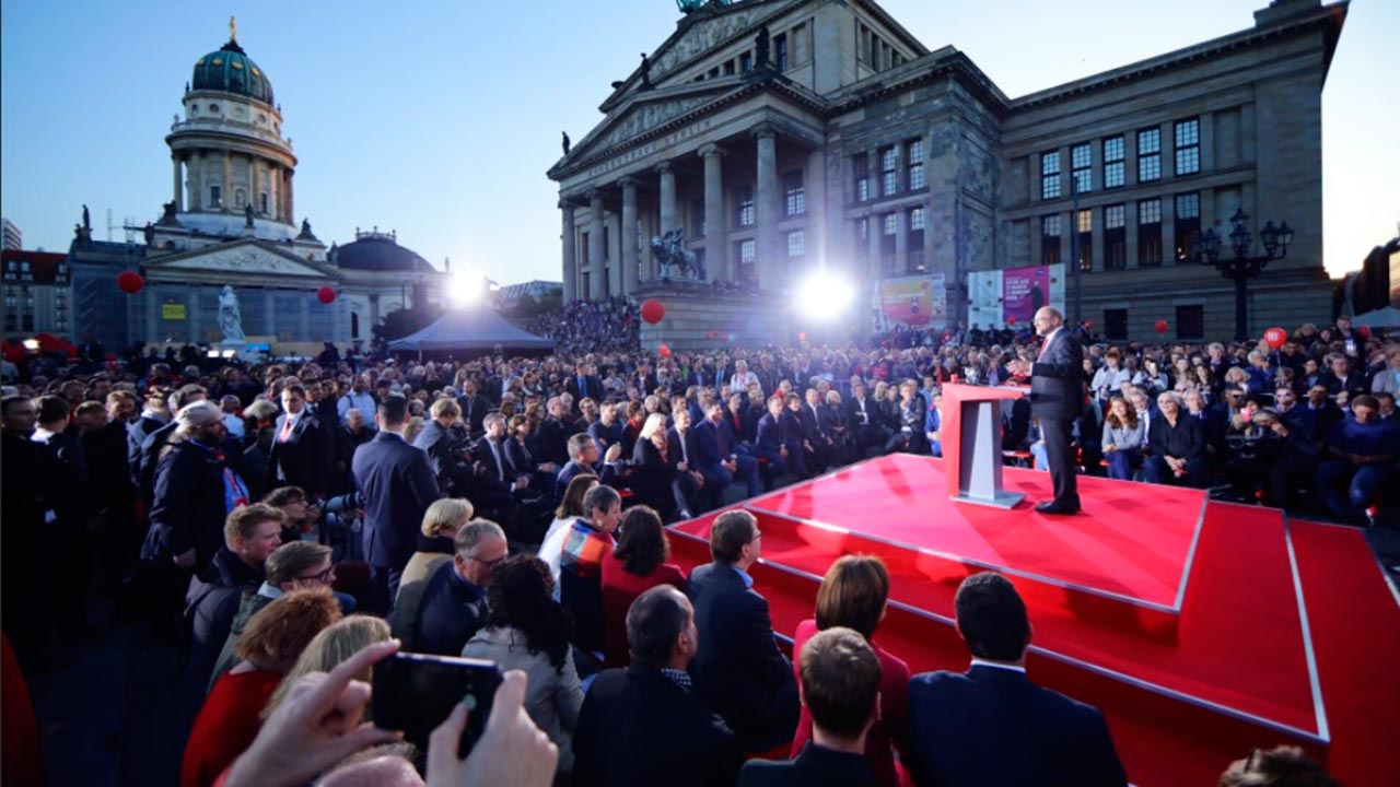 Martin Schulz renuncia a su partido tras coalición con Merkel