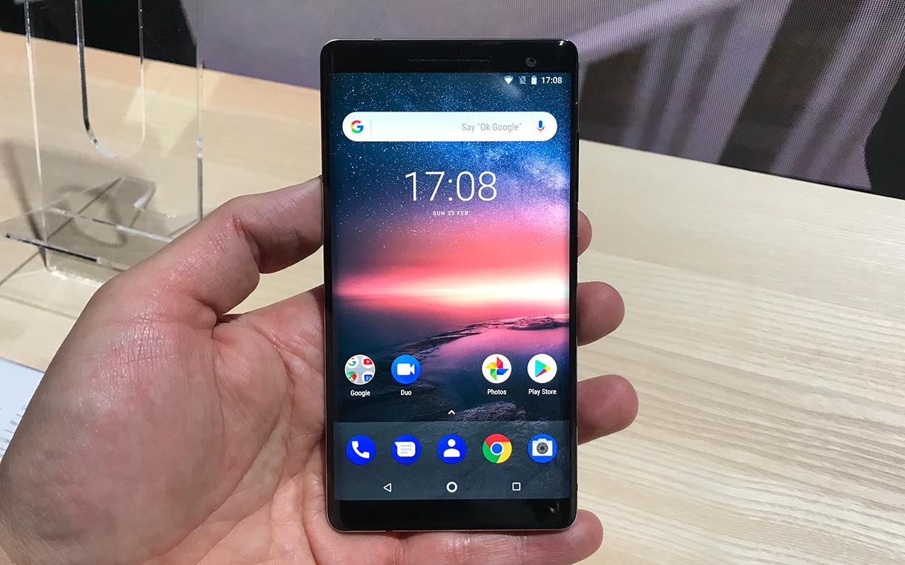 """nokia8 1 - Nokia resucita al 8810, el teléfono de """"Matrix"""""""