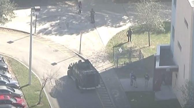 Esto se sabe hasta el momento del tiroteo en escuela de Florida