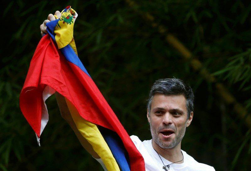 Opositor venezolano Leopoldo López está en la embajada de España