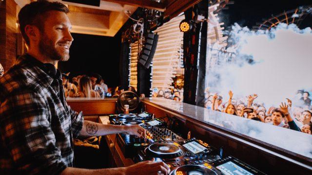 Calvin Harris Los Cabos en club de playa