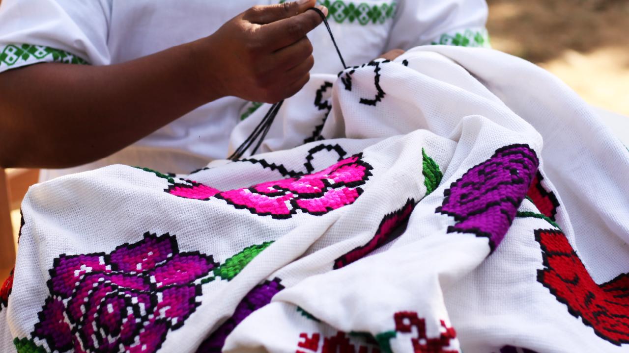 LG y Fondo para la Paz preservan la producción de artesanía nacional