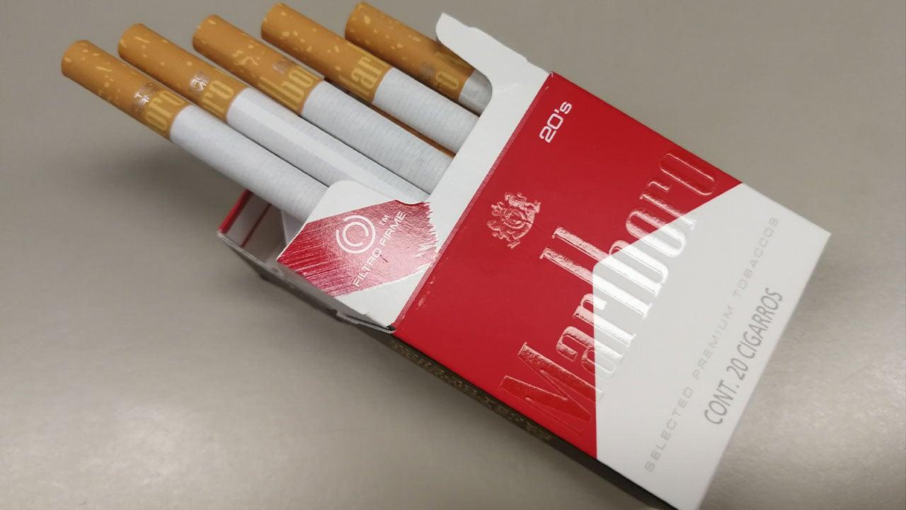 Dueña de Marlboro avanza en dejar producción de cigarros