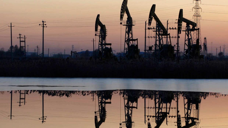 Pemex demanda más servicios por alza en precios del petróleo