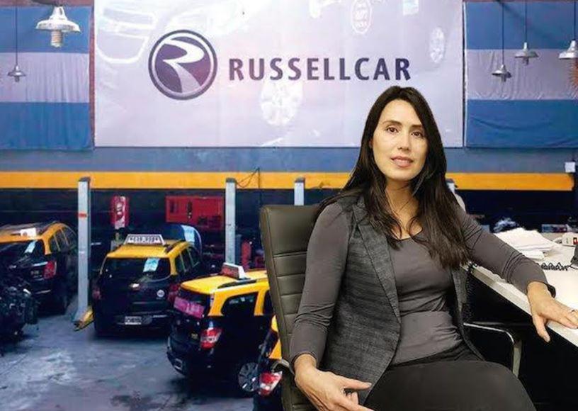 Esta emprendedora empodera a las mujeres un 'viaje de taxi' a la vez