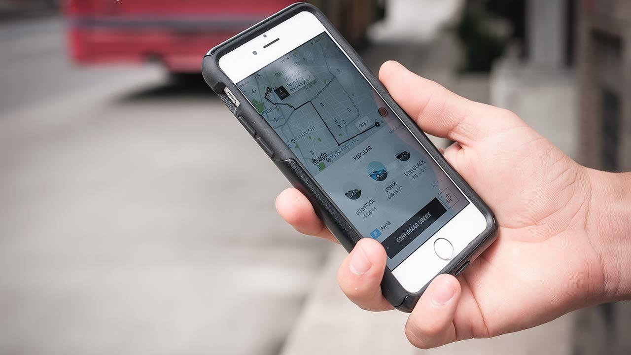 Uber reduce pérdidas, pero aún está lejos de registrar utilidades