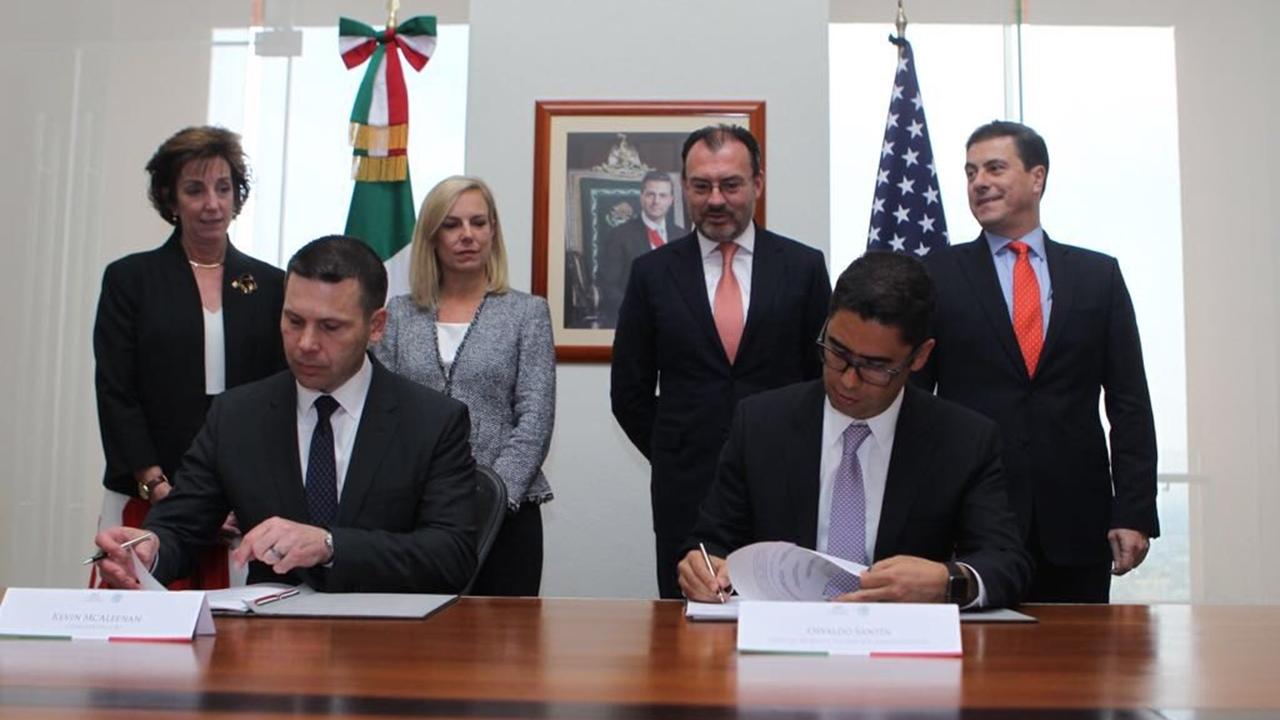 Videgaray y Kirstjen Nielsen firman convenios para mejorar comercio
