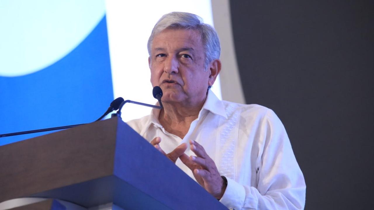 AMLO solicitará a Peña detener contratos petroleros