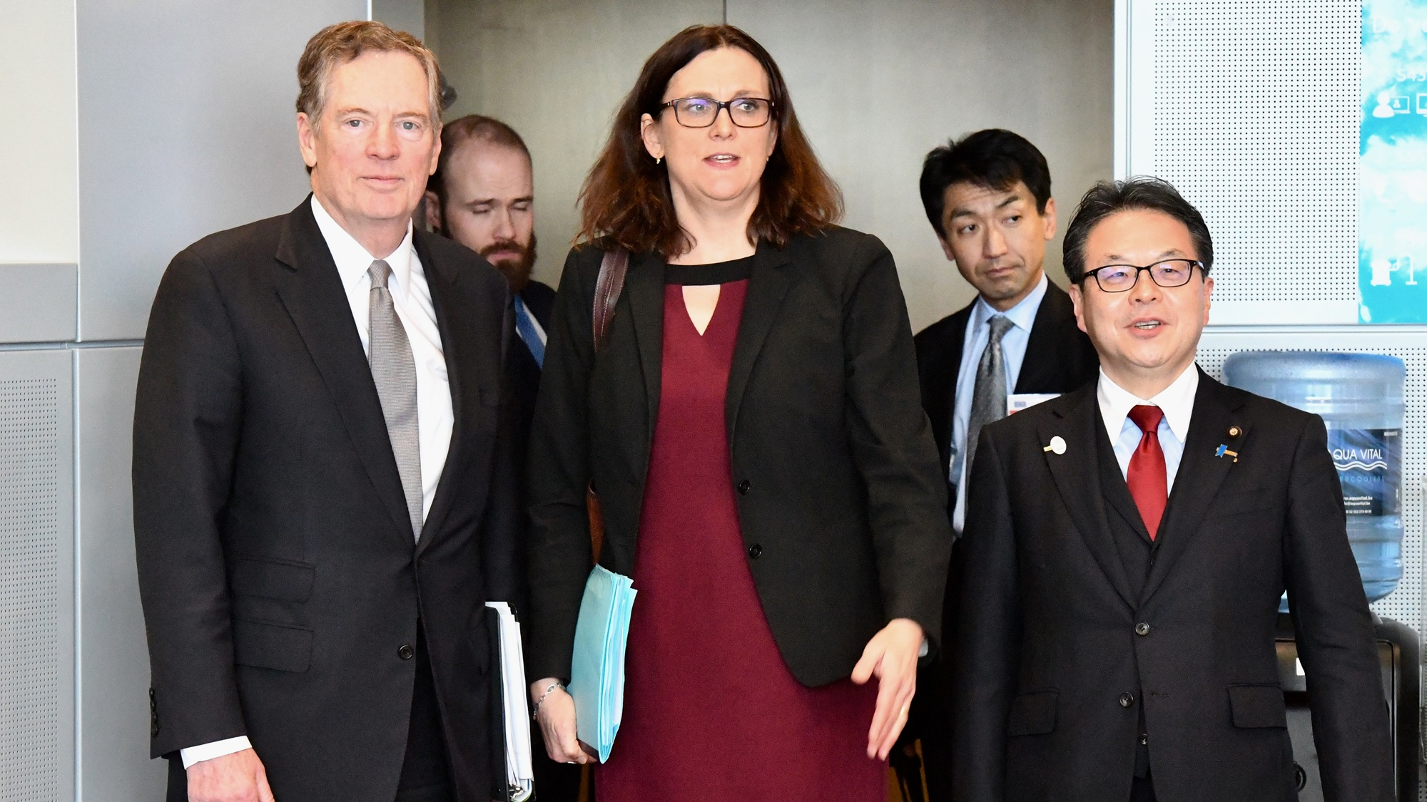 Unión Europea y Japón presionan por exenciones a aranceles de EU