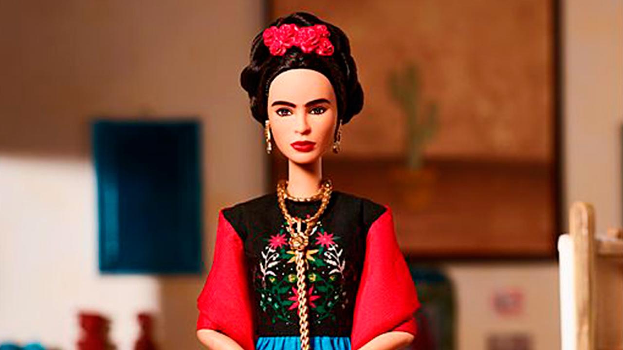 Juez frena la venta de la Barbie inspirada en Frida Kahlo