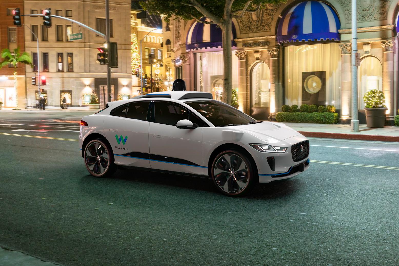 Jaguar y Waymo presentan el primer auto autónomo de lujo