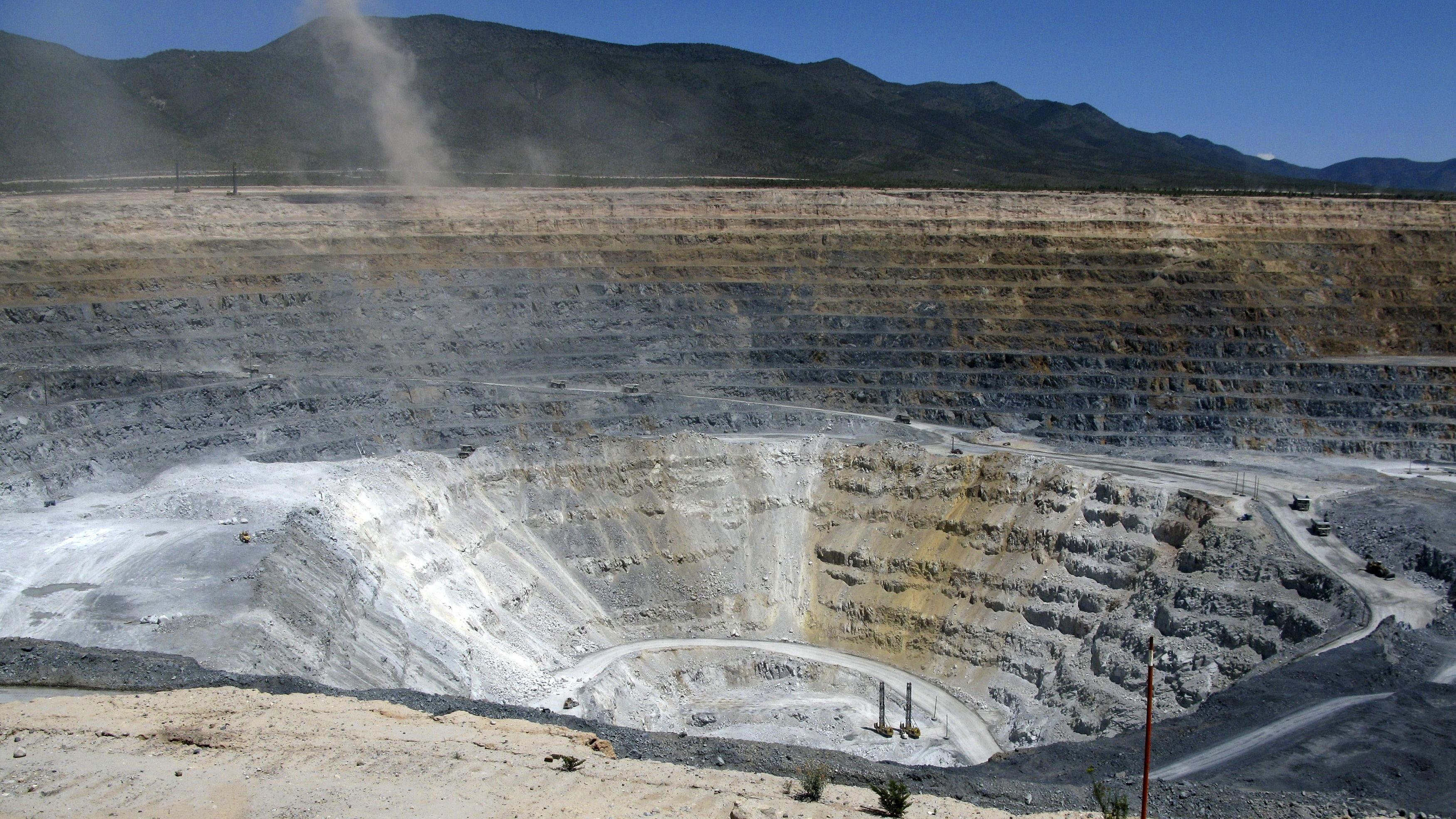 Reforma minera será analizada con empresas antes de discutirla en el Congreso