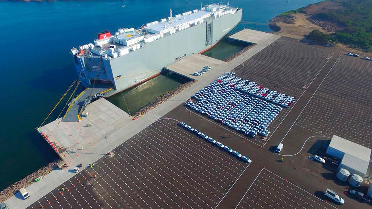 Ponen en marcha terminal marítima para autos en Lázaro Cardenas