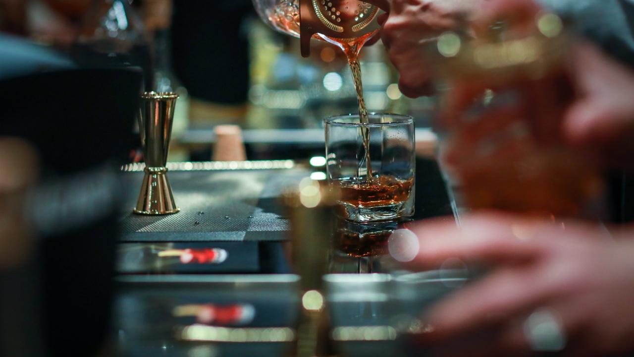 Alcohol, conciencia social y el futuro inminente