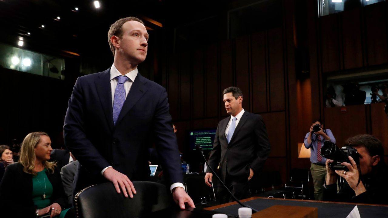Vende WhatsApp e Instagram, dicen senadores a Mark Zuckerberg