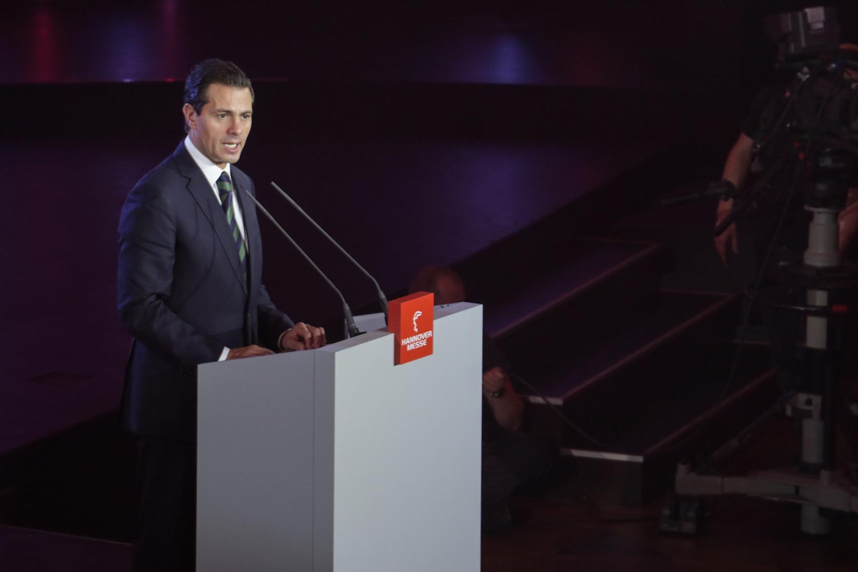 Peña Nieto presume México a la industria alemana