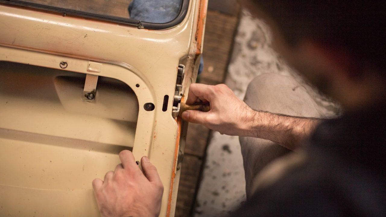 Canadá busca mexicanos que reparen carrocerías; pagará 48,000 pesos mensuales