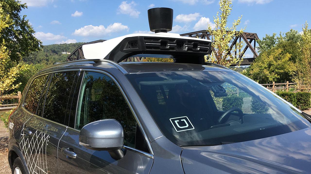 Uber pone fin a programa de conducción autónoma en Arizona