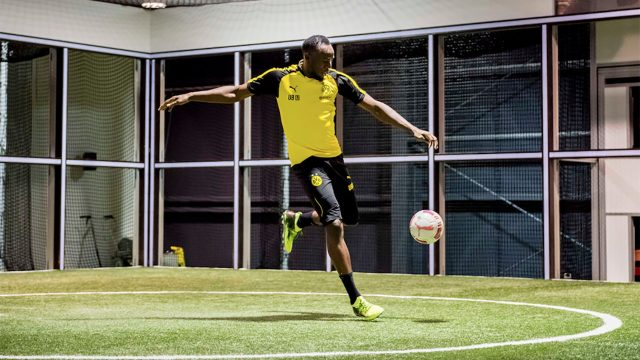 08be67168 De corredor a futbolista: Usain Bolt no conoce los límites