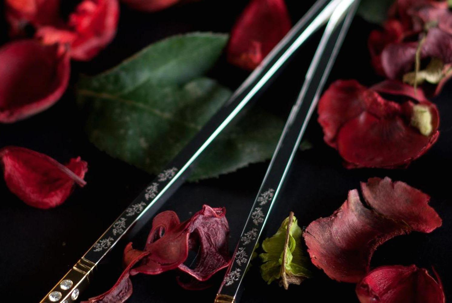 cena, lujo, chopsticks, palillos chinos, diamantes, oro, rosas