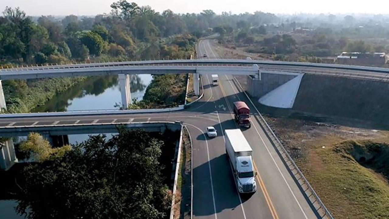 Senado pide a la SCT que las autopistas del país cuenten con WiFi