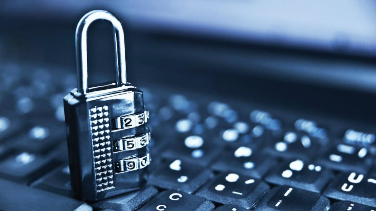 Las dos amenazas al asecho del Internet libre