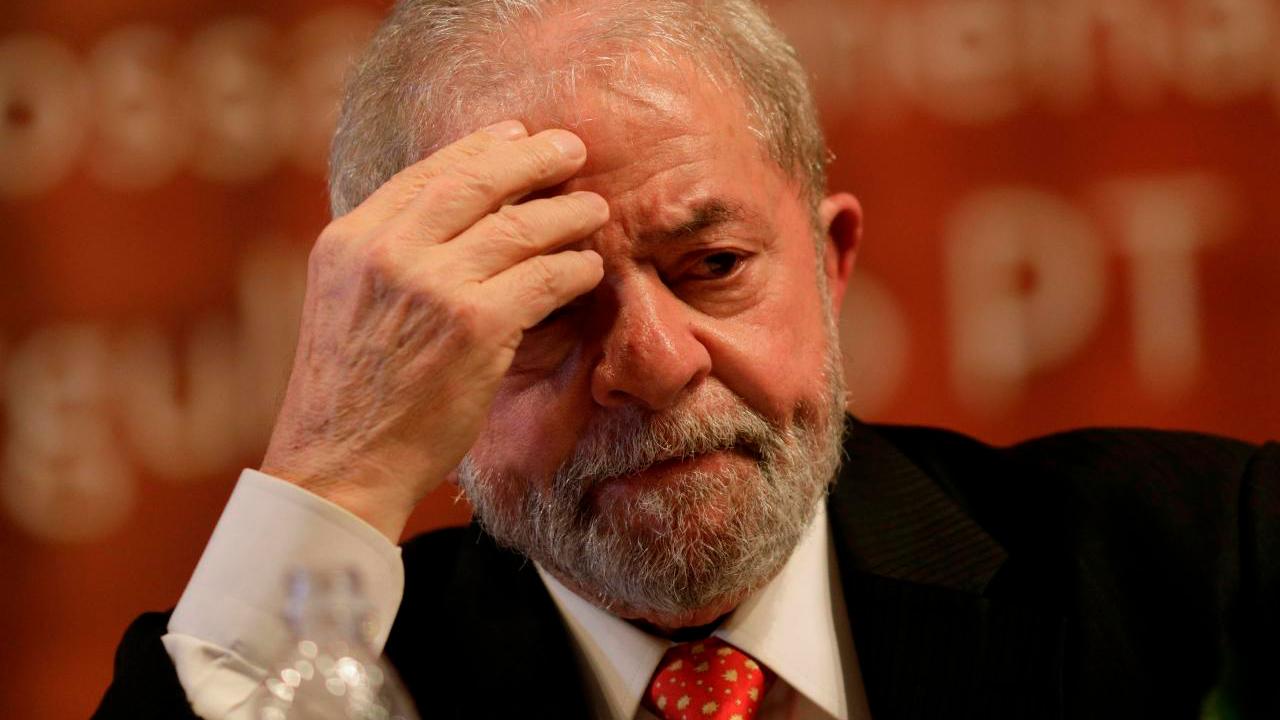 Lula se retiraría este martes de la carrera presidencial en Brasil