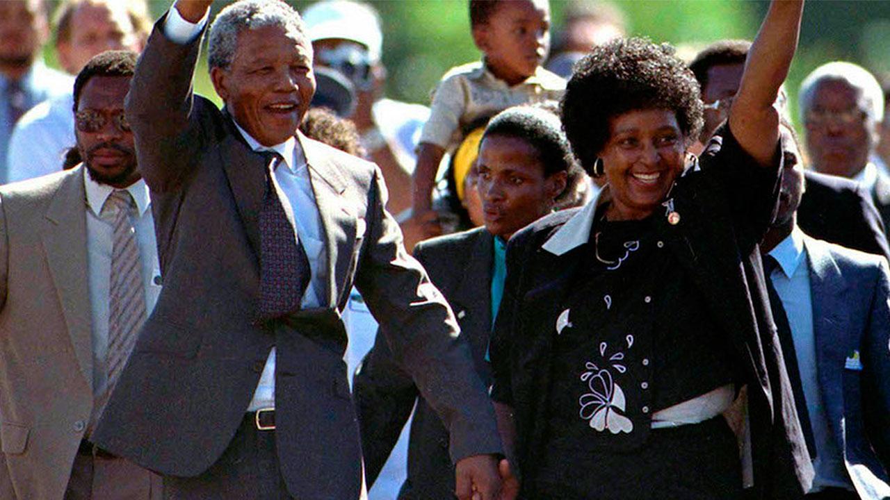 Winnie Mandela, la 'madre' de la nueva Sudáfrica, muere a los 81 años