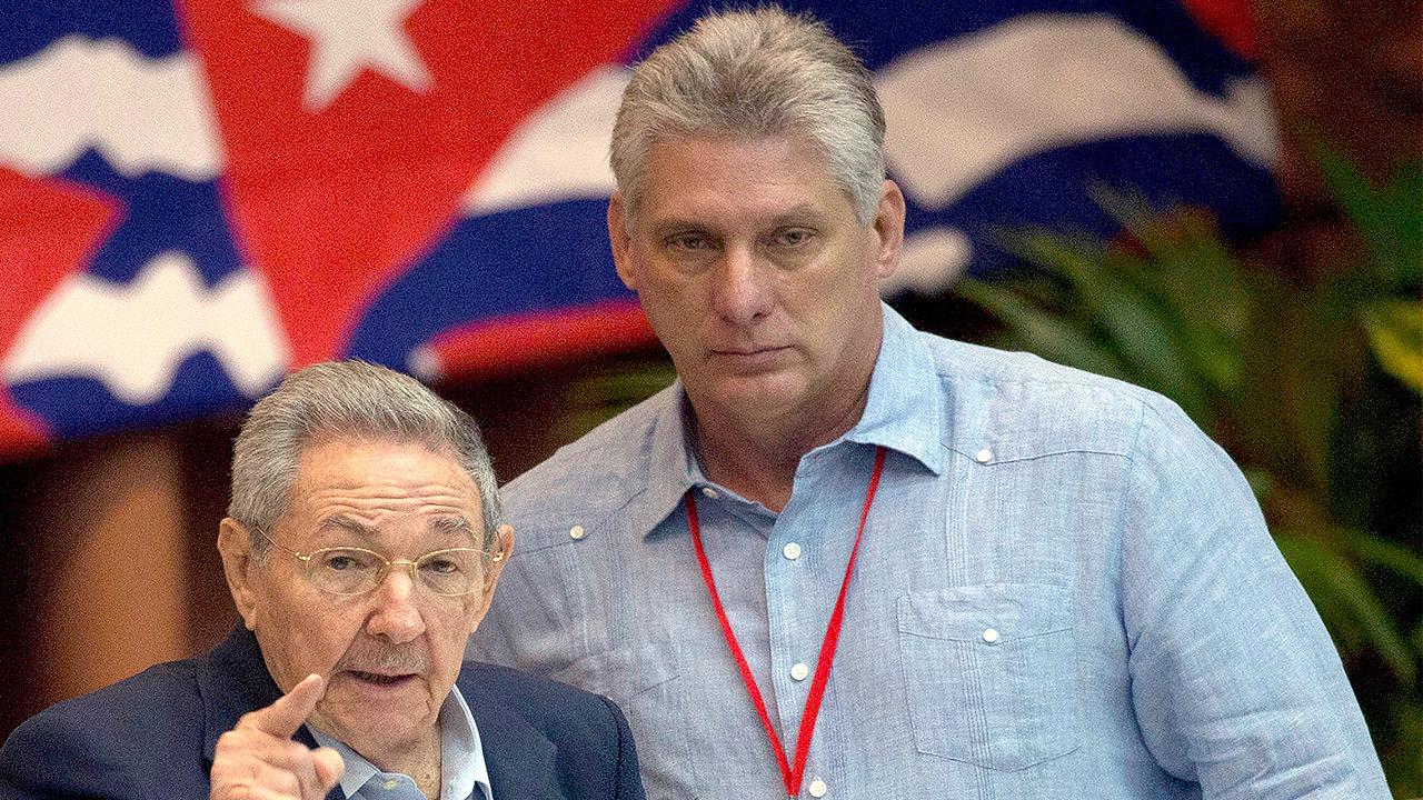 Raúl Castro presente en el desfile del 1 de mayo junto a Díaz- Canel