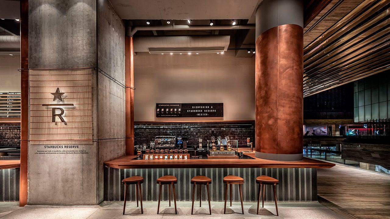 Así es la cafetería de lujo que Starbucks abrió en México