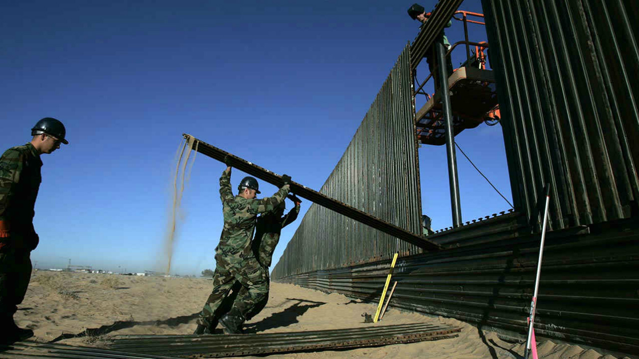 Congreso de EU busca retrasar financiamiento para el muro fronterizo