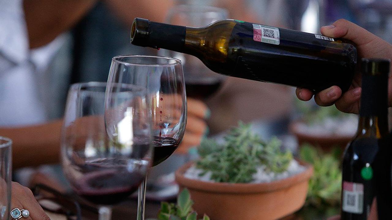 Tu próxima botella de vino te podría salir más cara