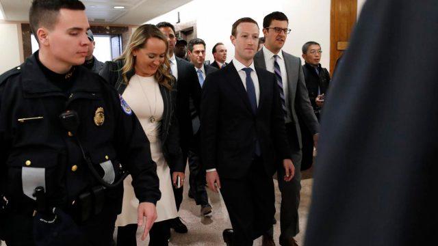 Zuckerberg pidió disculpas ante Senado por filtración de datos personales