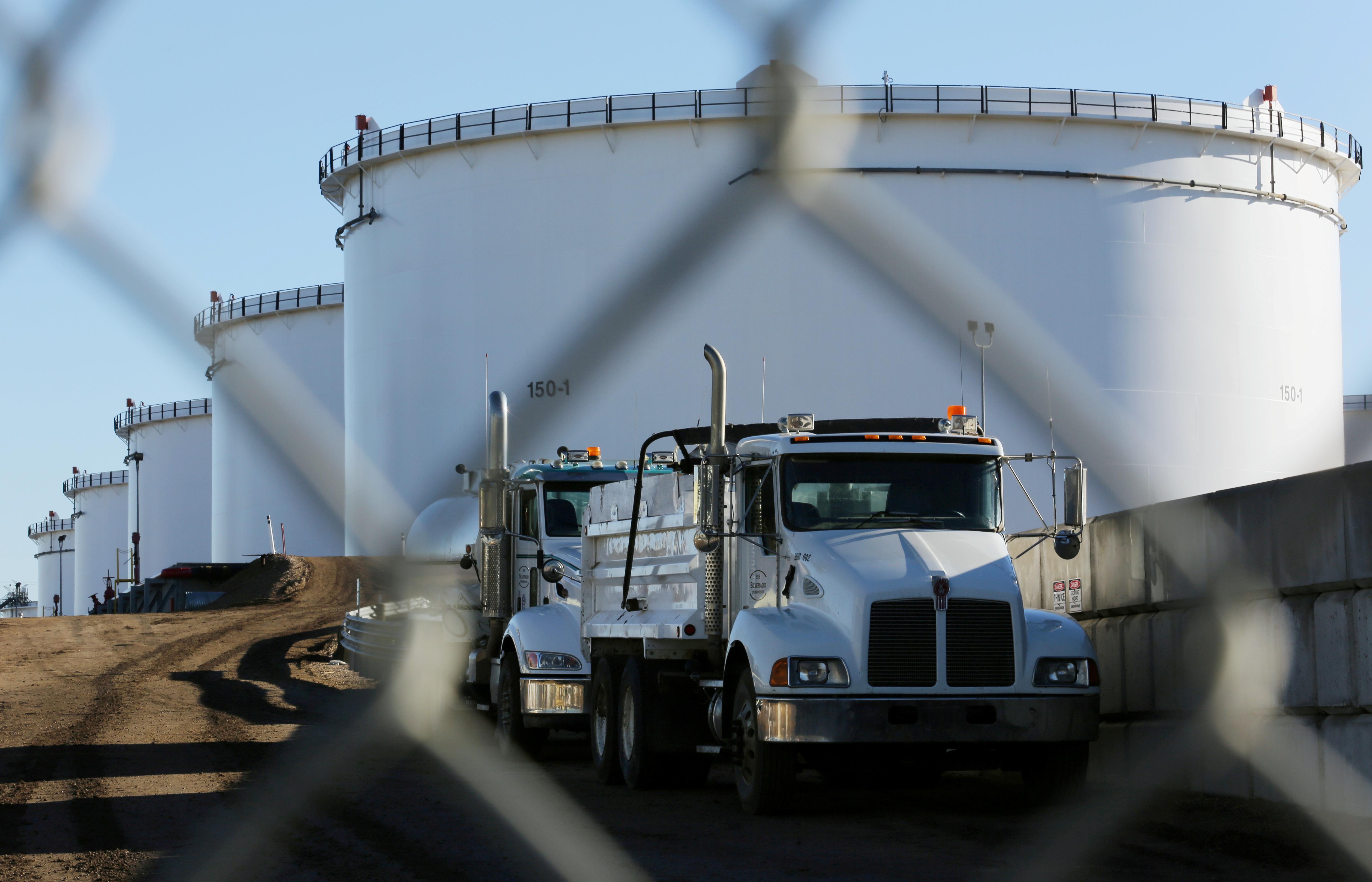 Más terminales de almacenamiento y ductos bajarán precios de combustibles: Onexpo