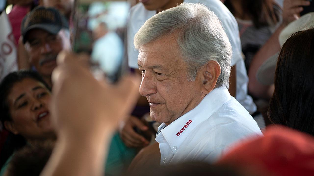 Políticos felicitan a Andrés Manuel por encabezar preferencia de voto