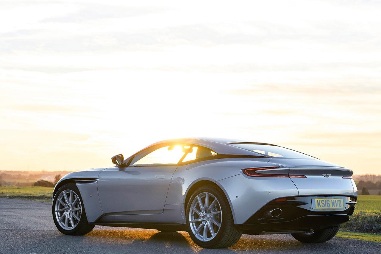 Aston Martin planea cotizar en bolsa para aumentar ganancias