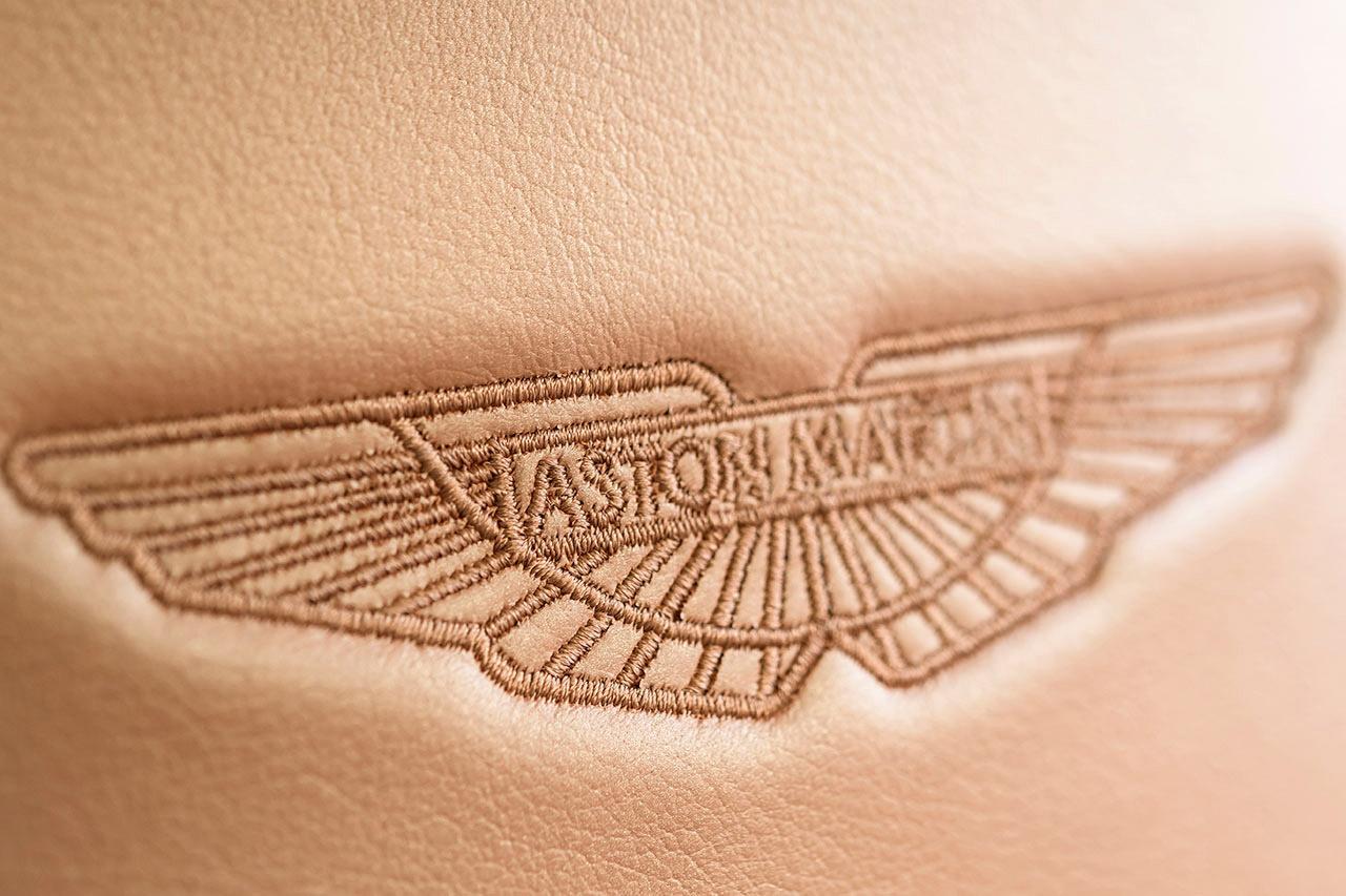 Interiores. Foto: Max Earey/Aston Martin.