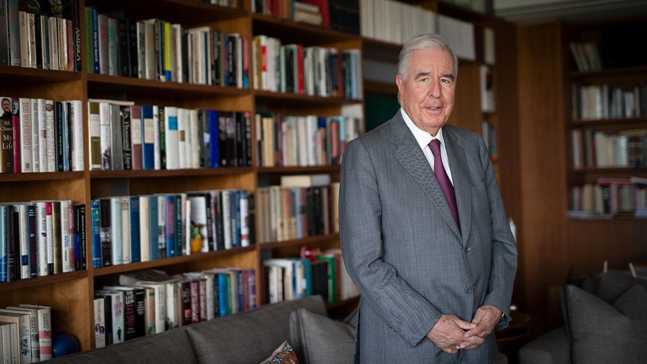 Los 3 temas que el próximo gobierno debe 'abrazar' en política exterior