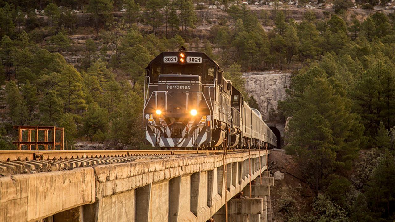 Lanzan Chepe Express, un tren para amantes del lujo y la aventura