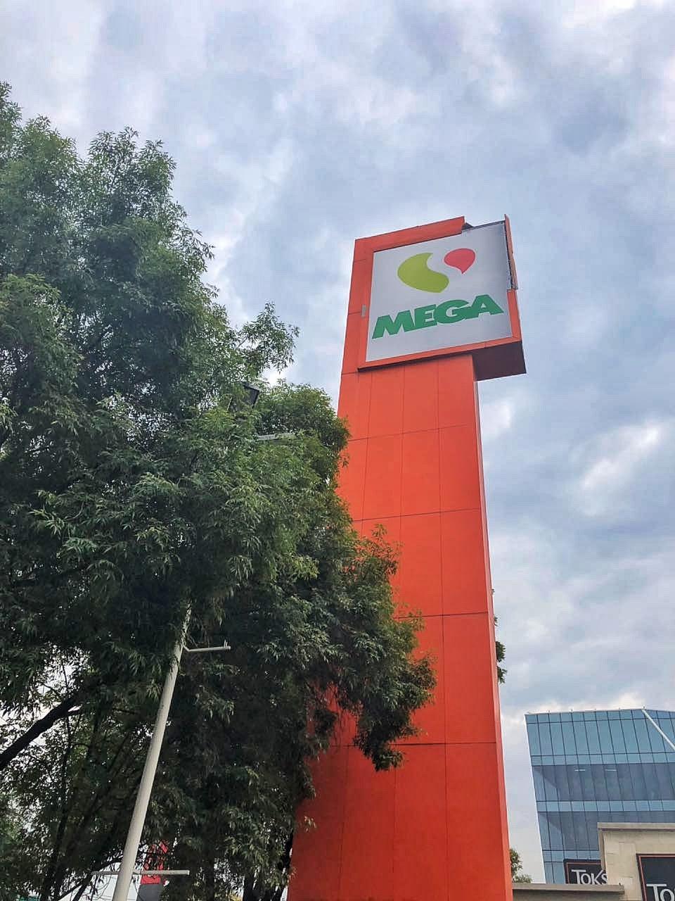 Transformación de la tienda Mega Comercial Mexicana de Pilares, colonia Del Valle, en Mega Soriana.