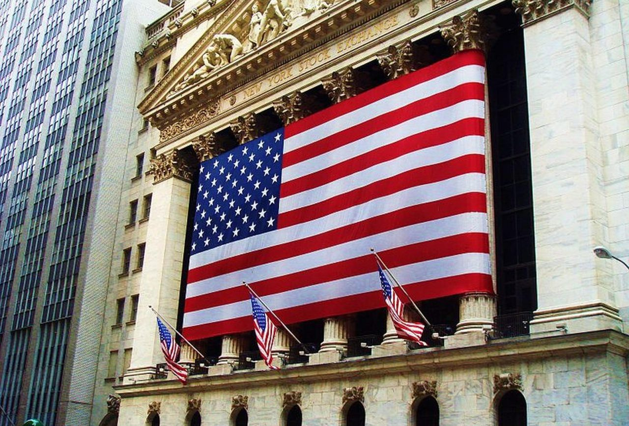 Wall Street se hunde más de 3% por temores sobre economía y comercio
