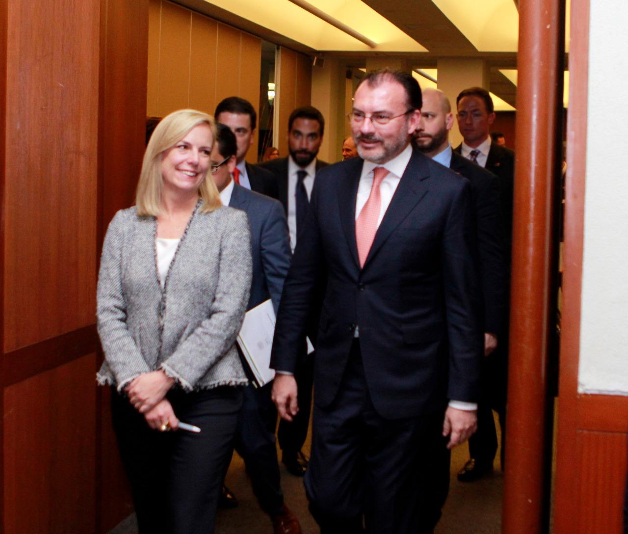 Luis Videgaray se reune con la Secretaria de Seguridad de EU para analizar tema migratorio